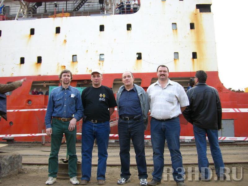 Мои друзья. Слева направо: брат Андрей,  RVLFM, RW1AI, RZ3FR