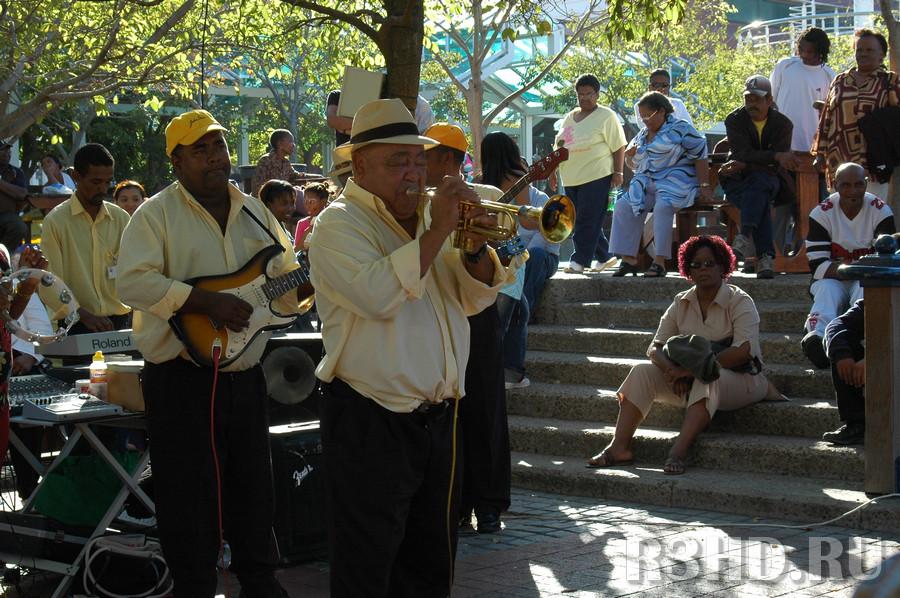 Оркестр в парке Ватерфронта